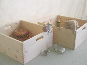 組手が美しい木製の箱