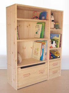 おもちゃ箱付き絵本棚16 クローズ時の拡大写真