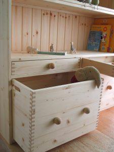 おもちゃ箱付き絵本棚5 おもちゃ箱の拡大写真