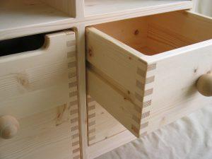 おもちゃ箱付き絵本棚 引出し部の拡大写真
