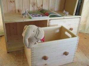 おもちゃ箱付き絵本棚7 おもちゃ箱の拡大写真