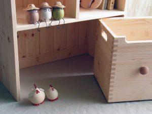 おもちゃ箱付き絵本棚25 下段部分の拡大写真