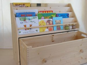 おもちゃ箱付き絵本立て2 オープン時の拡大写真