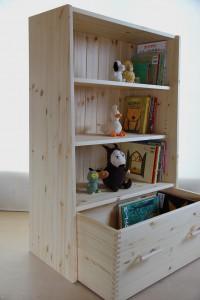 おもちゃ箱付き絵本棚29 おもちゃ箱引出し時の拡大写真