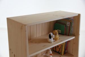 おもちゃ箱付き絵本棚29 上段の拡大写真