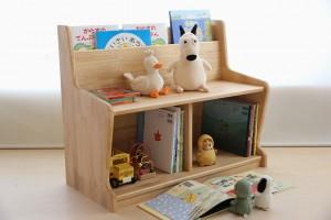 キッズベンチに絵本棚の機能を組み込んだオリジナル子供用家具